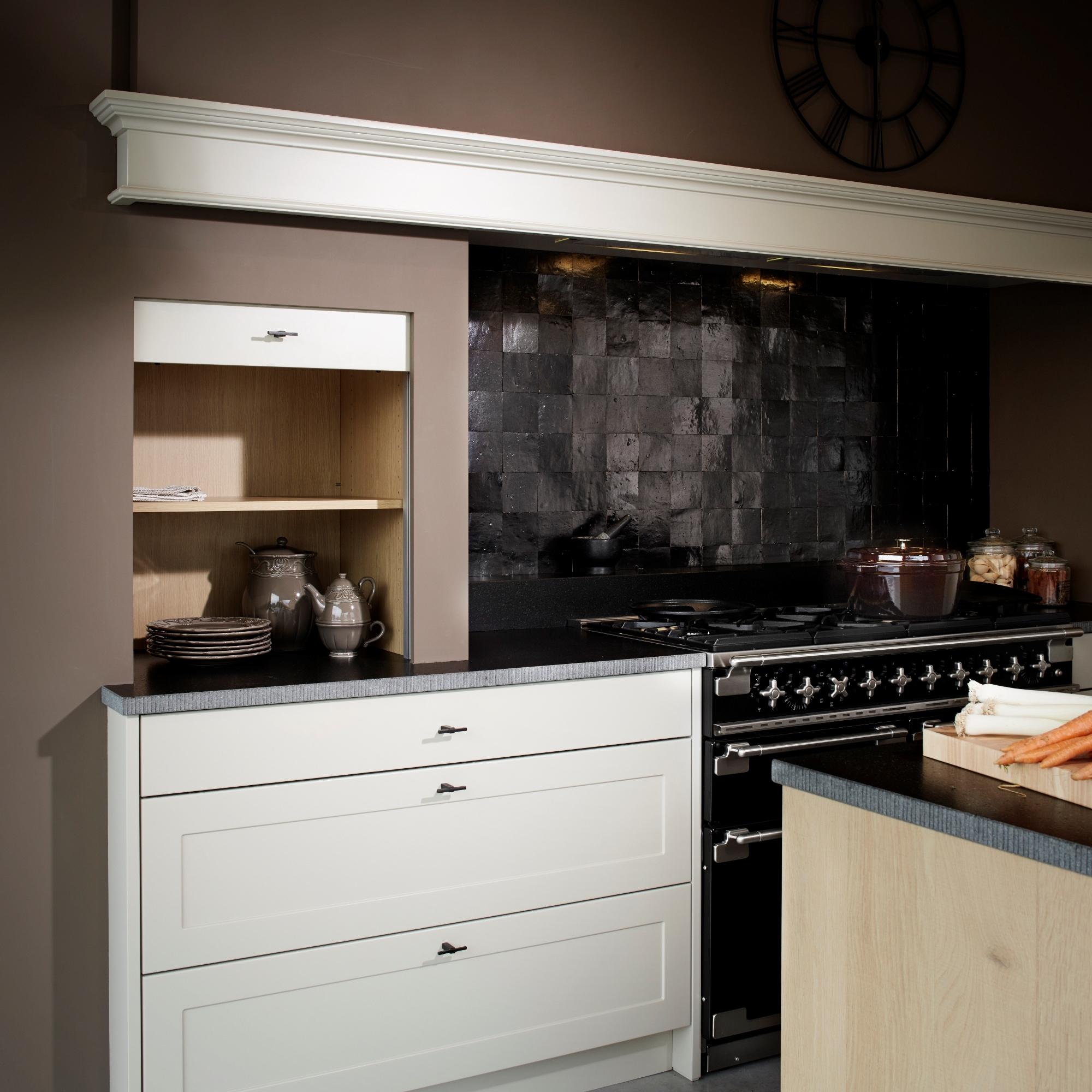 Uitverkoop keukens uitverkoop klassieke keuken for Geenen interieur